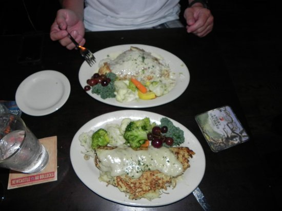 Kilkennys Irish Pub & Eatery: Both Craigue and Chicken Boxty