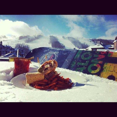 Kaytoo: Snowboards & Caesars!