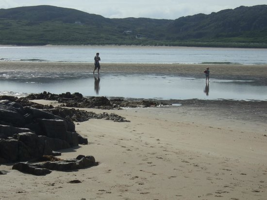 Rosguill Holiday Park : Beach beside the Park
