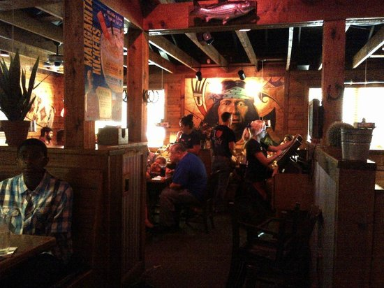 Texas Roadhouse: Note large and interesting painting