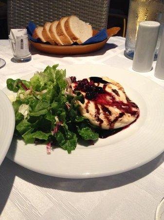 The Taverna : σαγανακι σως βατομουρο