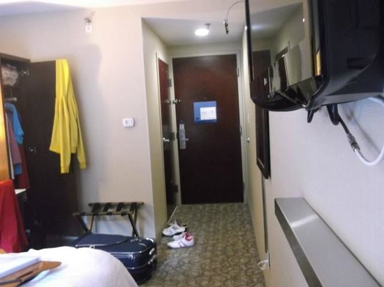 Hampton Inn Manhattan-Seaport-Financial District: room 402