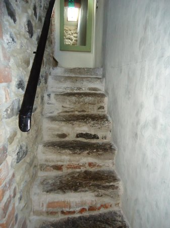 Limepark Arts Center & Cottages: Stone Stairway