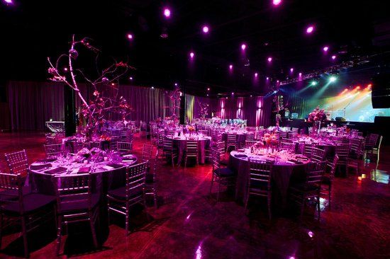 Minglewood hall: seated private event with concert