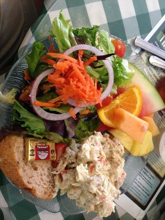 The Pampered Palate Cafe : best chicken salad platter I have had in a long time!