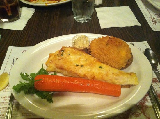 Albies Beef Inn : The fish with a BIG carrot thats awsome !
