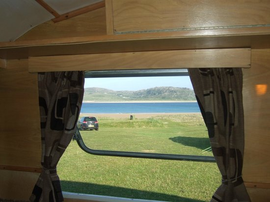 Rosguill Holiday Park : View from caravan window to the beach