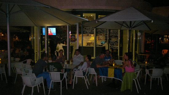 hutte cafe Terrace: bild på uteserveringen