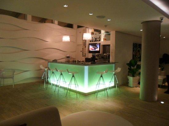 Agua Dorada Beach Hotel by LIDOTEL: Lobby Bar del Hotel