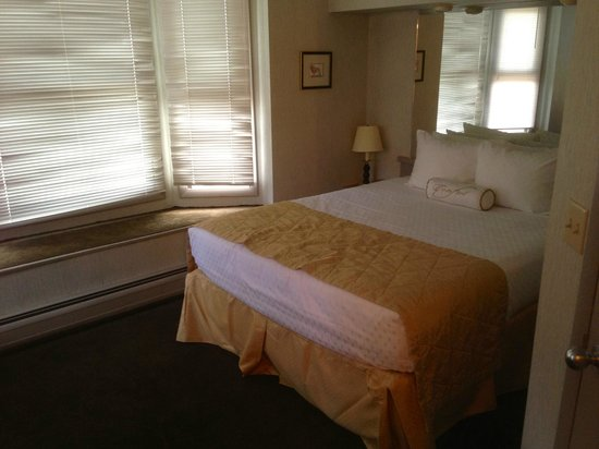 Historic Crags at the Golden Eagle Resort: Main Bedroom