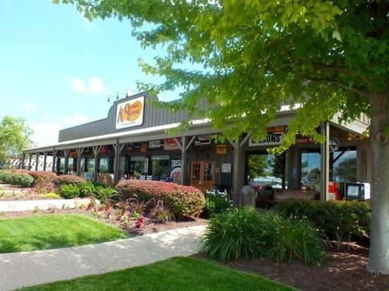 Cracker Barrel Old Country Store and Restaurant: Cracker Barrel