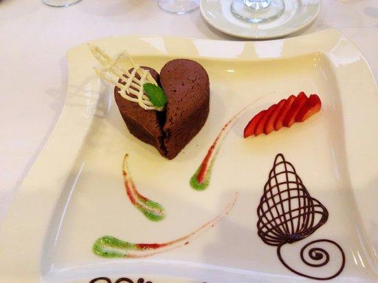 Casa Velas : Special chocolate lava cake desert for our romantic dinner.