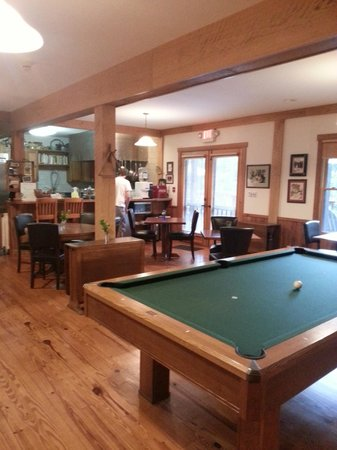 Bent Creek Lodge: Inside
