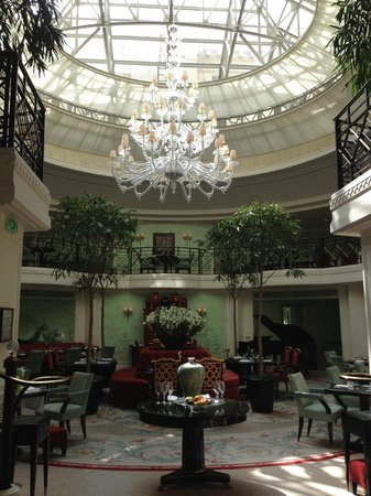 Shangri-La Hotel Paris: Breakfast place