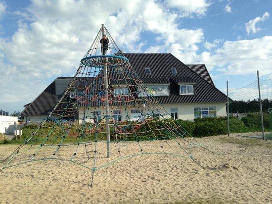 Dorfhotel Sylt: Weiterer Spielplatz