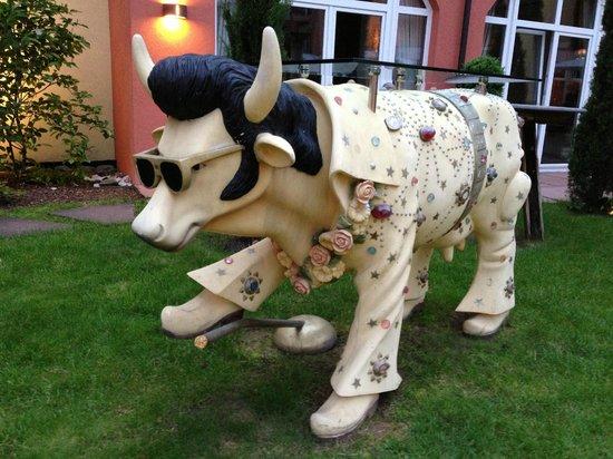 Hotel Villa Toskana: Elvis Cow