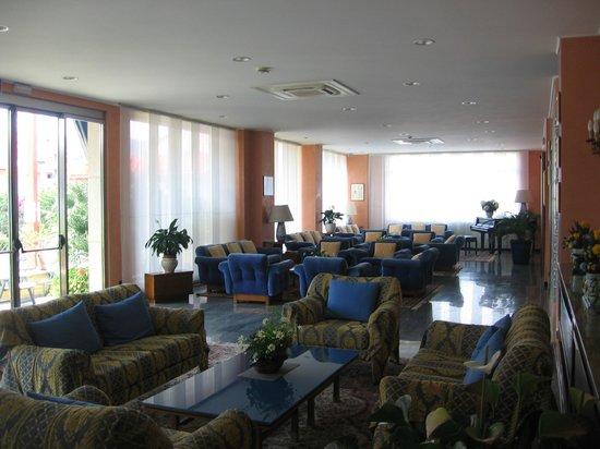 Bellevue et Mediterranee: il salone relax