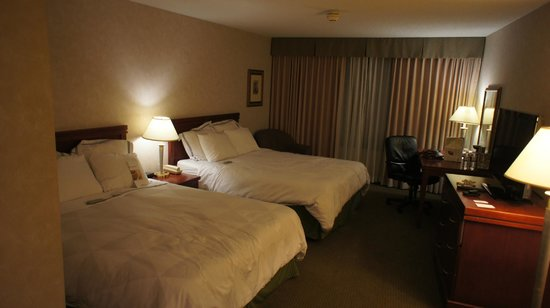 Radisson Hotel Toronto East: Our rooms had 2 Queen beds