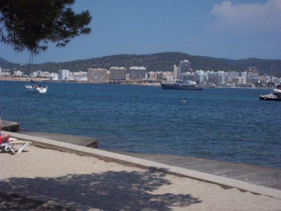 Hotel Club Els Pins: beach view
