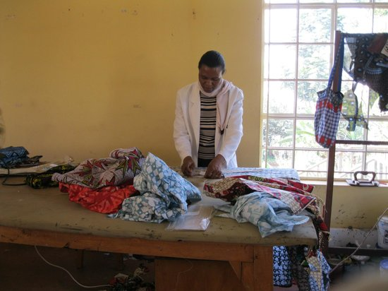 Amani ya Juu: making quilts