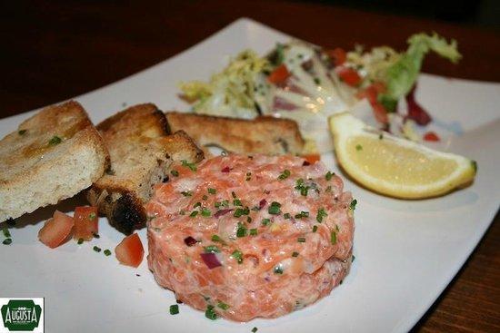 Augusta : Tartar de salmón