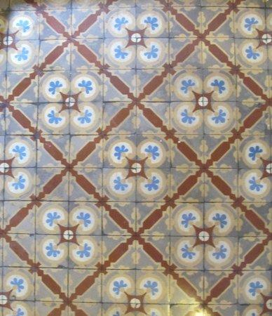 Hotel Santo Tomas: Preserved tiles