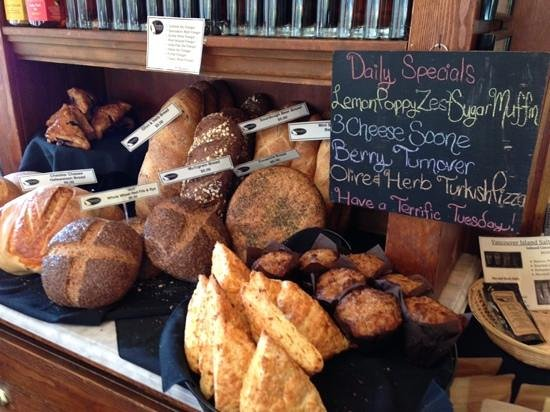 Spinnakers Brewpub and Guesthouses: fresh baked pastries and breads