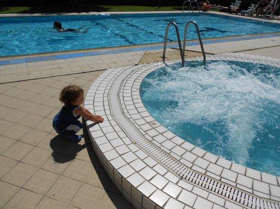 Hotel Tiffany's: piscina e idromassaggio