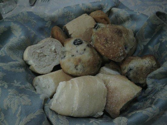 Il Capriccio: paniere con pagnottelle miste