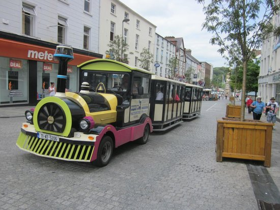Waterford Tours: Road train leaves on its tour of Waterford