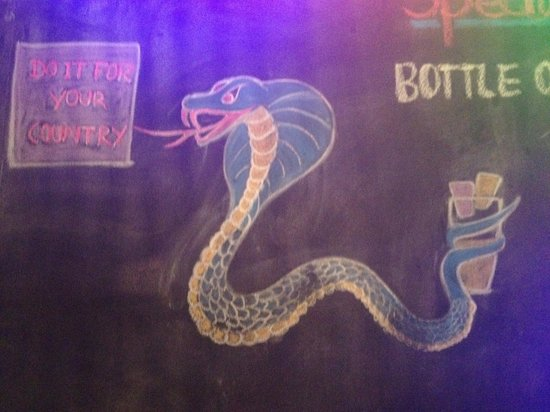 Mad Monkey Hostel Siem Reap: Bar Fun