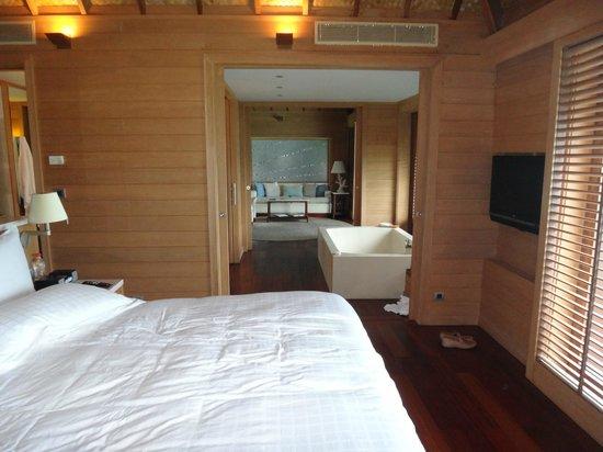Four Seasons Resort Bora-Bora : Room