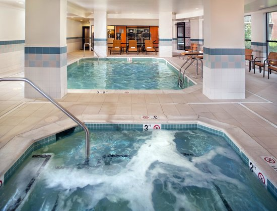 Indoor Pool And Whirlpool Picture Of Courtyard Washington Capitol Hill Navy Yard Washington