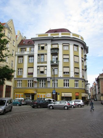 Retro Hostel: The building