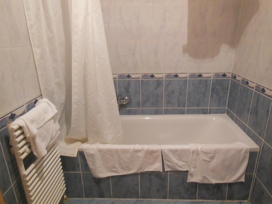Aboriginal Budapest Apartments: A bath is something I also like in an apartment!