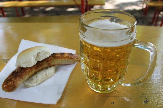Prater Garten : Bratwurst e birra