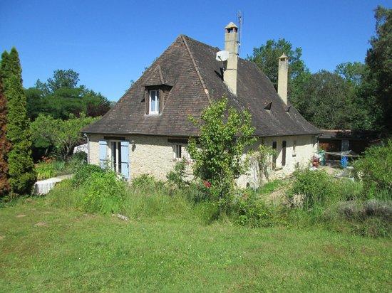 Les Petites Charmilles : View of house