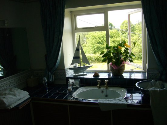 Pen-y Bryn Guest House: Bathroom View