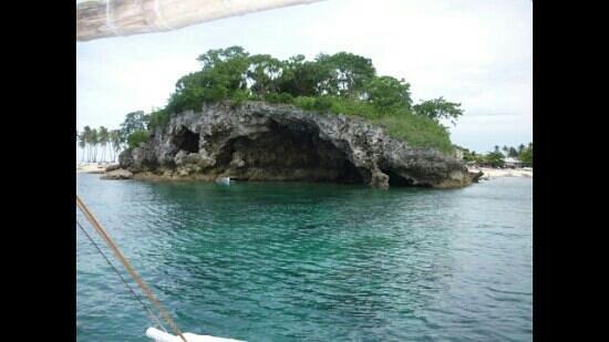 Guimbitayan Beach: mouth of guimbitayan malapascua