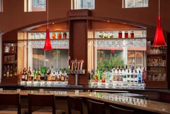 Sheraton Phoenix Airport Hotel Tempe: Fire + Spice Restaurant