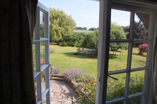 Honeycombe Cottage B&B: View from our room.