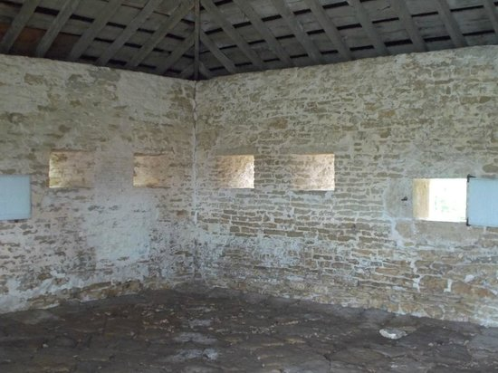 Fort Atkinson, IA: Canon room in the SW corner