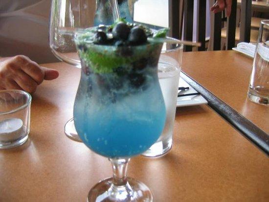 Bistro Nolah : Blueberry mojito!!