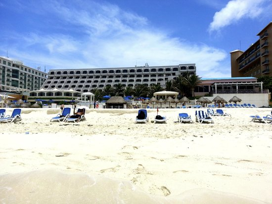 Golden Parnassus All Inclusive Resort & Spa Cancun: View from our beach