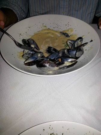Golden Parnassus All Inclusive Resort & Spa Cancun: The Pier, Mussels