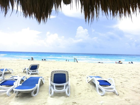 Golden Parnassus All Inclusive Resort & Spa Cancun: Beach, beautiful!
