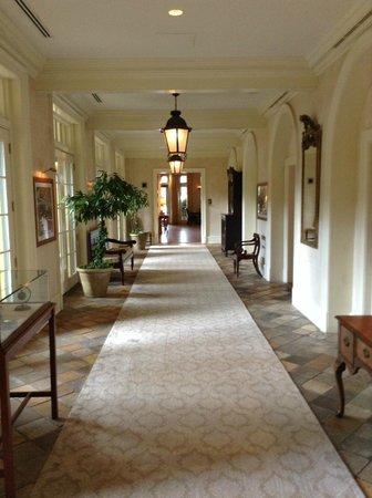 Keswick Hall: Hall