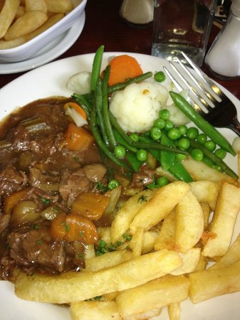 Cavens Arms: Beef with chips!