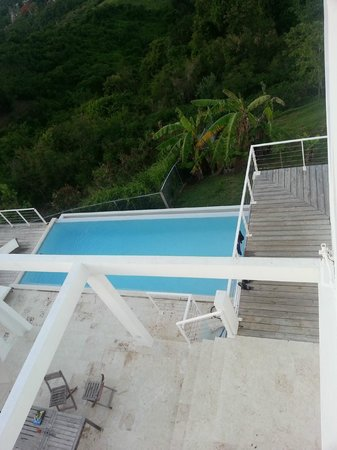 360 Vieques: Looking down from rooftop deck