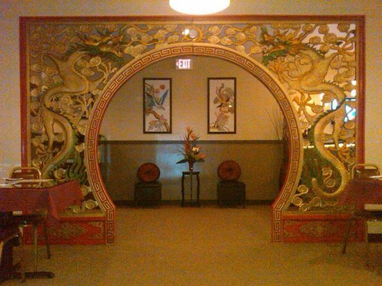 Chin's Restaurant - Dragon Arch leading into dining room
